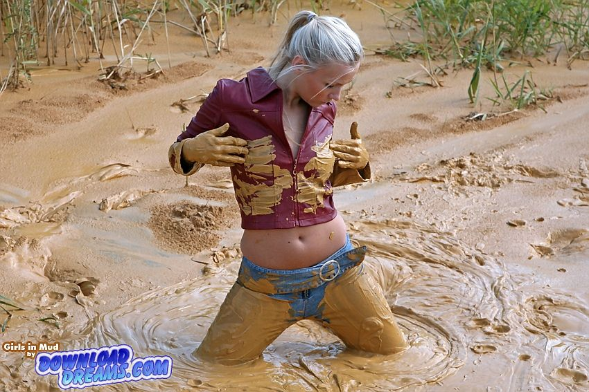 Videos of sexy boys and girls playing in mud