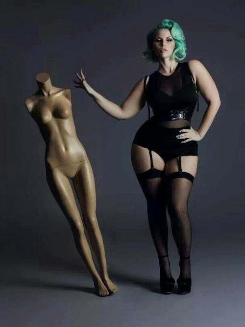 Thick pinup girls